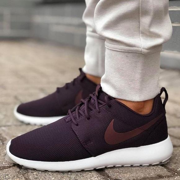 6e20e0c89b26 Nike Port Wine Roshe One Sneakers